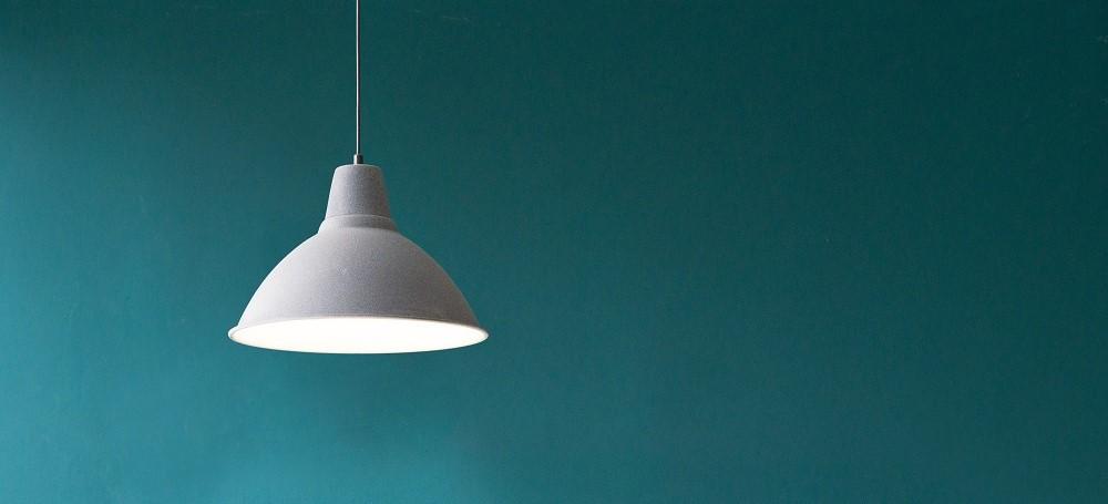 Tylko jedna lampa.