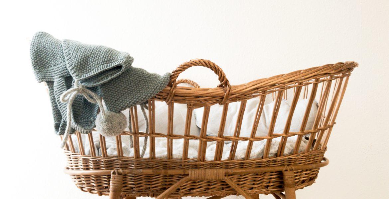 Gdzie nie stawiać łóżeczka niemowlęcego?